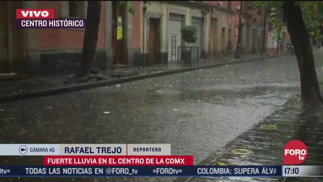 lluvia en cdmx provoca caos vial y caida de arbol
