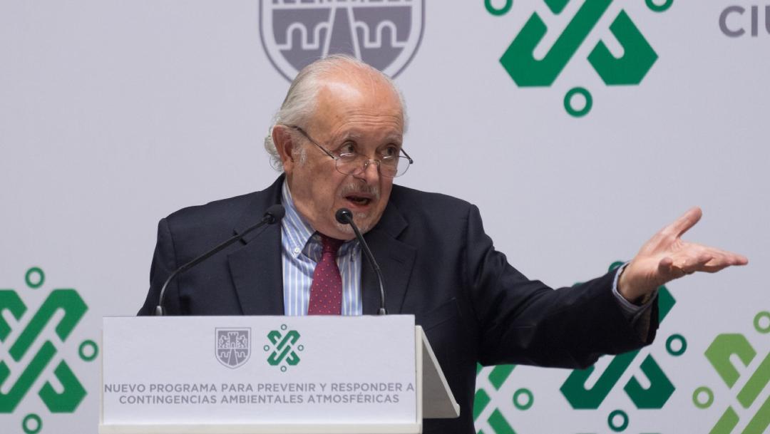 Mario Molina, premio nobel mexicano, pide a AMLO usar cubrebocas