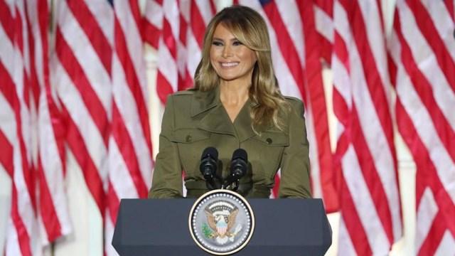 Melania Trump reconoce gravedad de la pandemia por COVID-19; promete a EEUU un futuro mejor