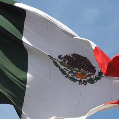 ¿Es un delito modificar el Escudo Nacional de México?