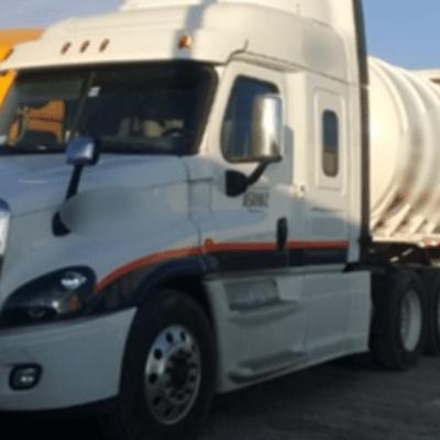 Guardia Nacional recupera en Nuevo León pipa con 124 mil litros de hidrocarburos