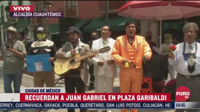 recuerdan a juan gabriel en plaza garibaldi a cuatro anos de su muerte