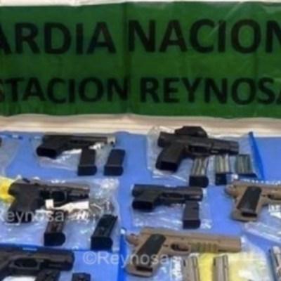 Detienen a pasajero de autobús con 15 armas de fuego en Tamaulipas