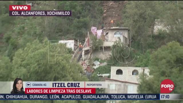 siguen trabajos de limpieza por deslave en colonia de xochimilco cdmx