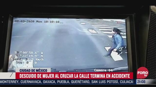 Descuido de mujer termina en accidente de Trolebús