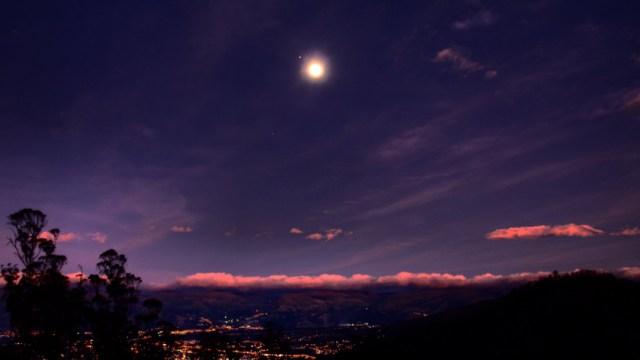 La luna, jupiter y saturno, agosto 2020
