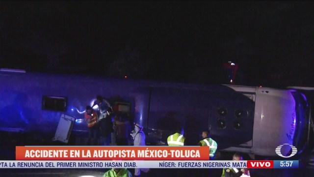 vuelca autobus de pasajeros en la mexico toluca