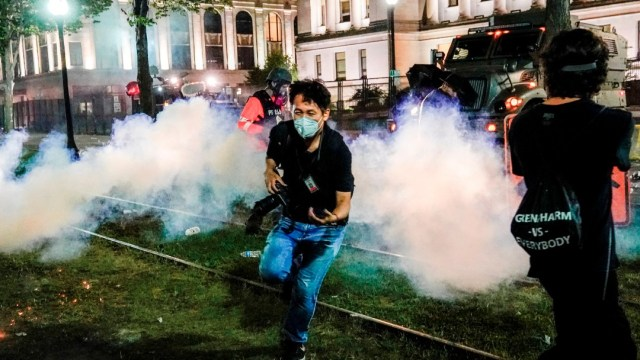 Wisconsin vive su tercera noche de disturbios en protestas por violencia policial