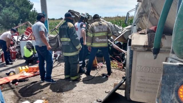 Accidente carretero en Aguascalientes deja dos muertos y al menos 12 heridos
