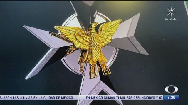 artesanos de guerrero elaboran condecoracion miguel hidalgo que sera entregada a personal de salud