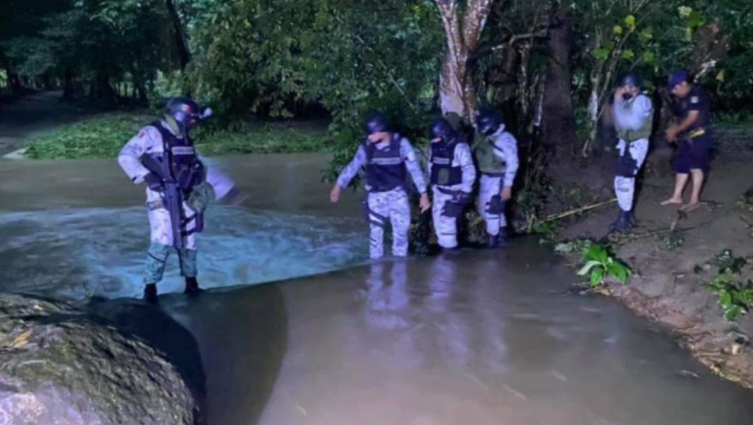 Militares y Protección Civil buscan a un hombre arrastrado por el río en Oaxaca