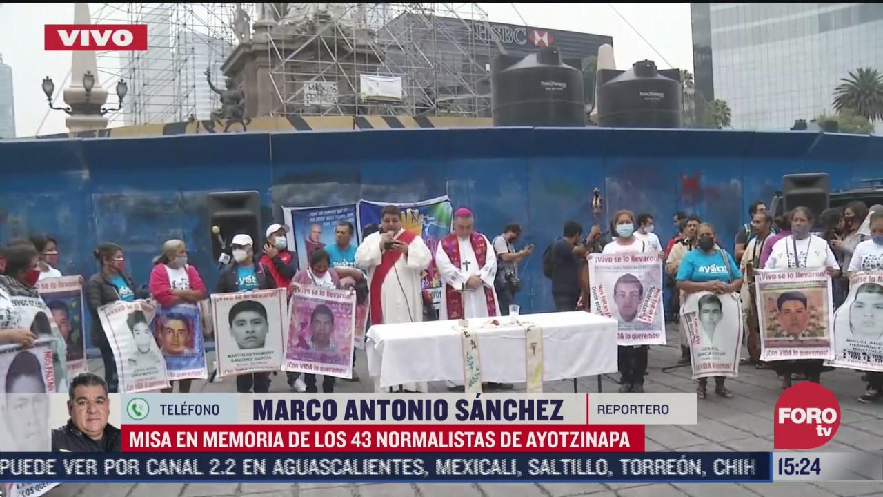 celebran misa en memoria de los 43 de ayotzinapa