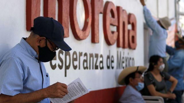 La dirigencia nacional de Morena impugnará el fallo del Tribunal Electoral para que el INE organice la renovación de su dirigencia con una encuesta abierta militantes y simpatizantes