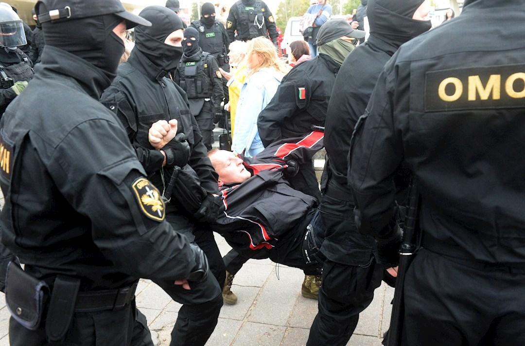 Desde la elección presidencial del 9 de agosto, decenas de miles de personas salen a las calles en Minsk para denunciar la reelección de Lukashenko, que consideran fraudulenta