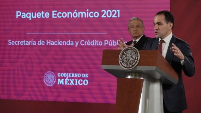"""Estimación de crecimiento económico en 2021 del 4.6% es """"responsable"""": Arturo Herrera"""