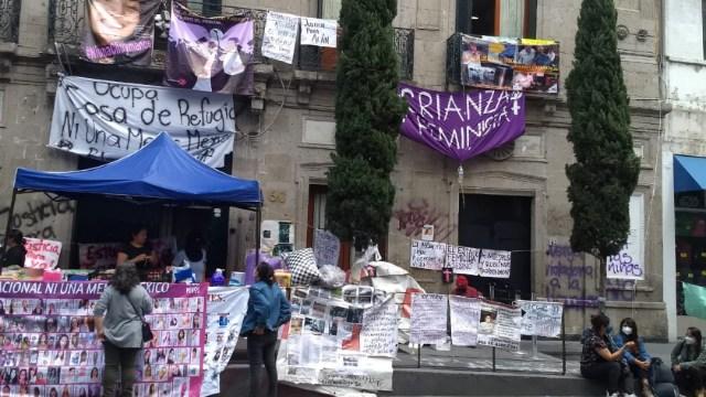 Familiares de víctimas exigen renuncia de Rosario Piedra, titular de la CNDH