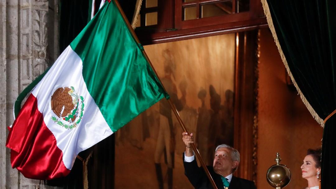 Finalizó con tres ¡Viva México! para hacer tañer la campana de Dolores