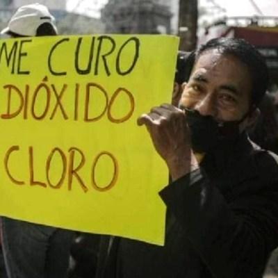 Manifestantes protestan en Reforma contra medidas por COVID-19 y