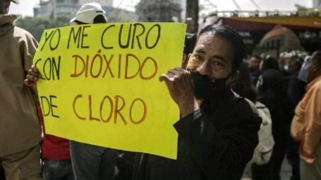 Manifestantes protestan en Reforma contra medidas por COVID