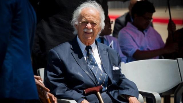 Muere George Bizos en Sudáfrica, abogado de Nelson Mandela