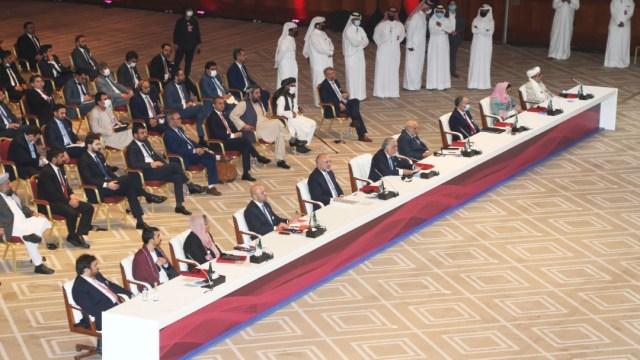 Gobierno afgano y talibanes inician negociaciones de paz