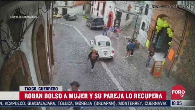 golpean a ladron que robo bolsa de una mujer en taxco