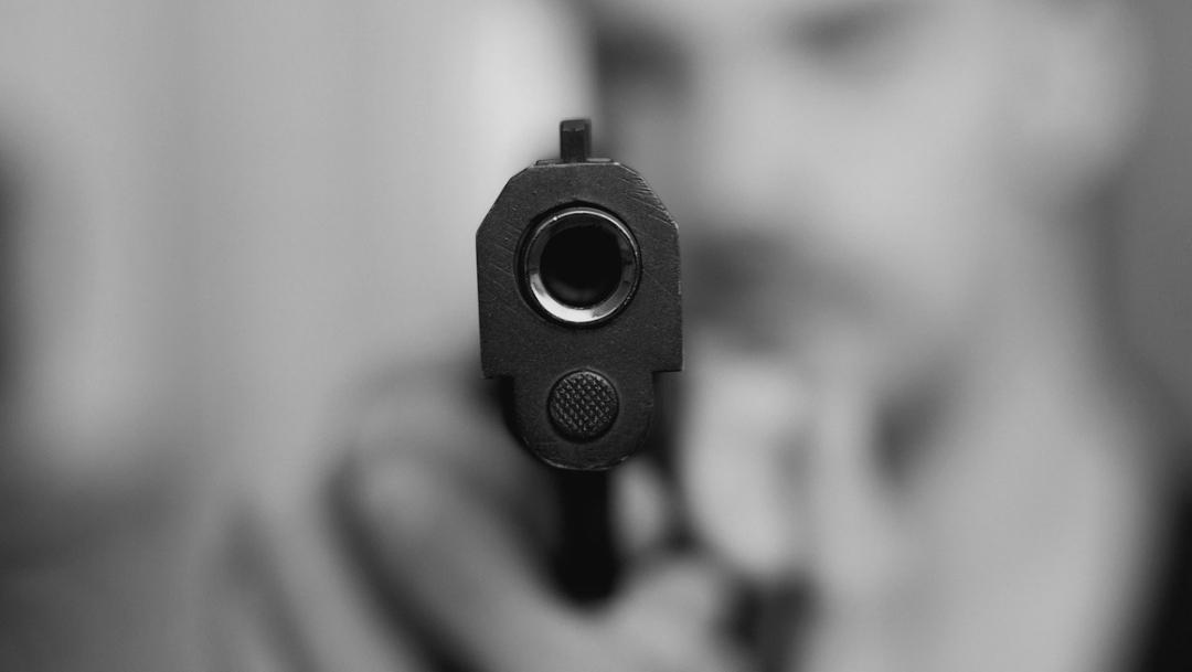 Hombre queda en libertad en CDMX tras usar arma de réplica