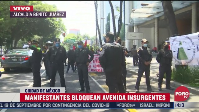 manifestantes bloquean insurgentes frente a la secretaria de comunicaciones y transportes