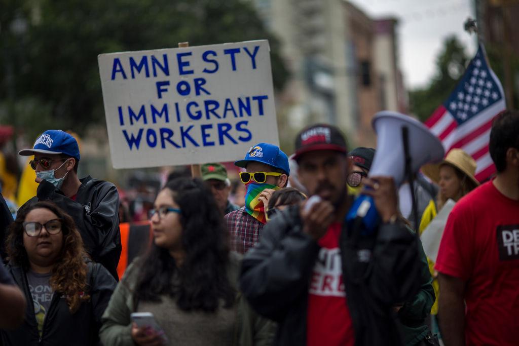 marcha latinos, migrantes, Estados Unidos, indocumentados