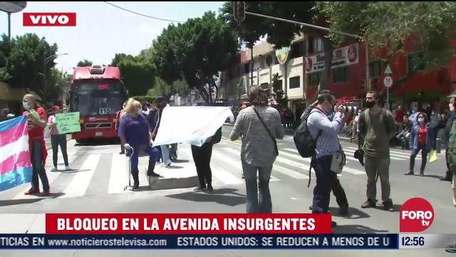 miembros de la comunidad transgenero bloquean insurgentes