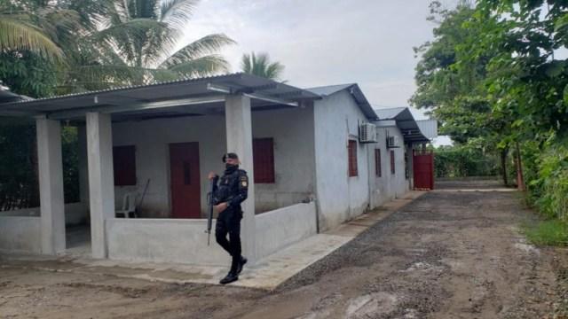 Guatemala destruye narcolaboratorio de cocaína en zona fronteriza con México