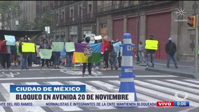 normalistas de michoacan instalan planton en centro de cdmx