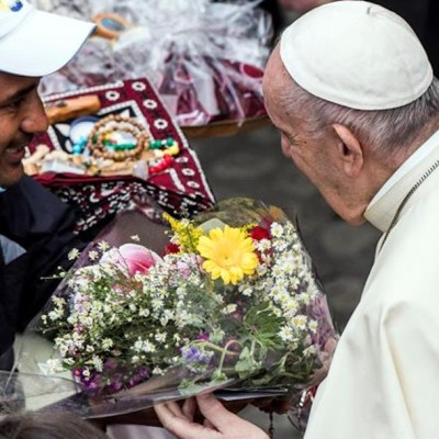 El papa Francisco pide encontrar la cura para los virus socioeconómicos