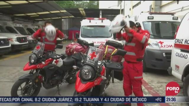 paramedicos en motocicleta de la cruz roja mexicana
