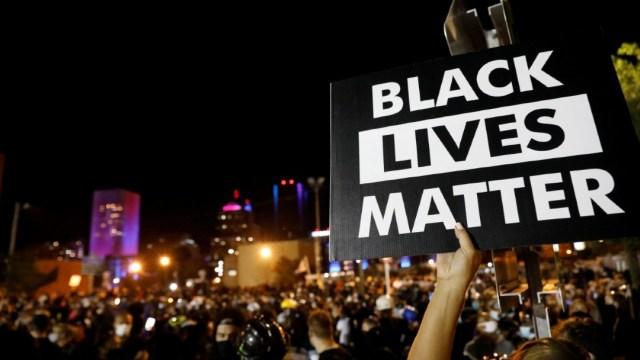 Familia-de-afroamericano-asesinado-en-EEUU-recibe-20-mdd