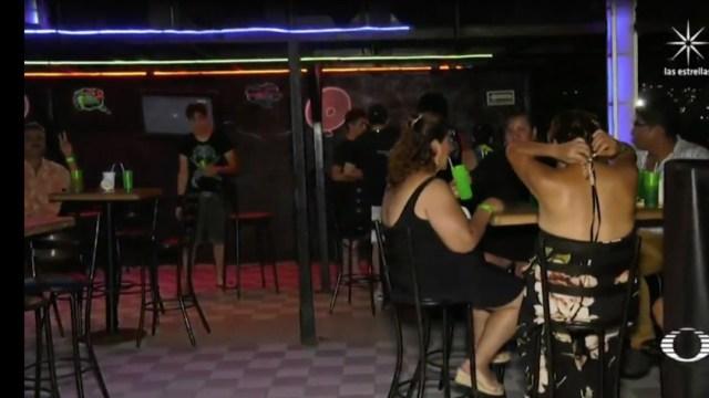 Tras pandemia por coronavirus, subsisten 200 bares en Acapulco
