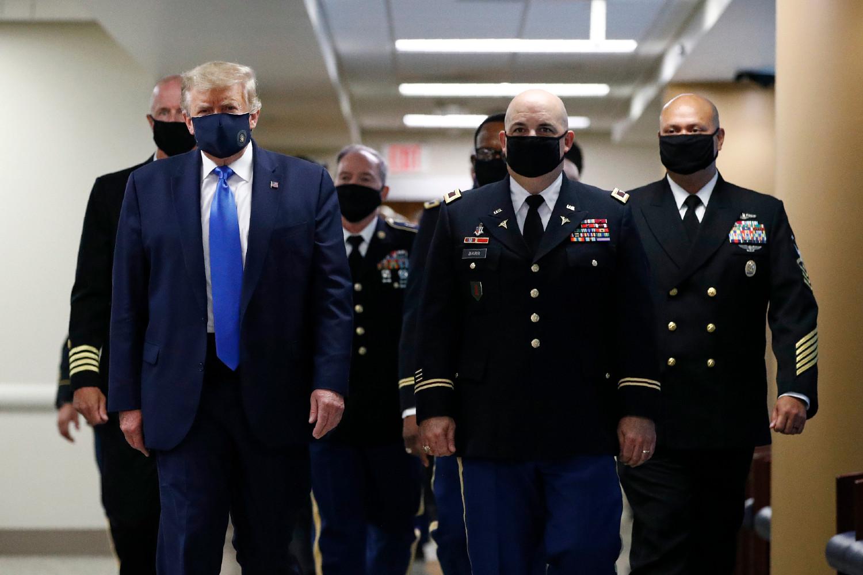 Donald Trump, coronavirus, cubrebocas, Walter Reed