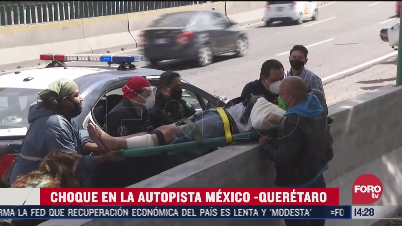 automovil y motociclista chocan en la mexico queretaro hay un detenido