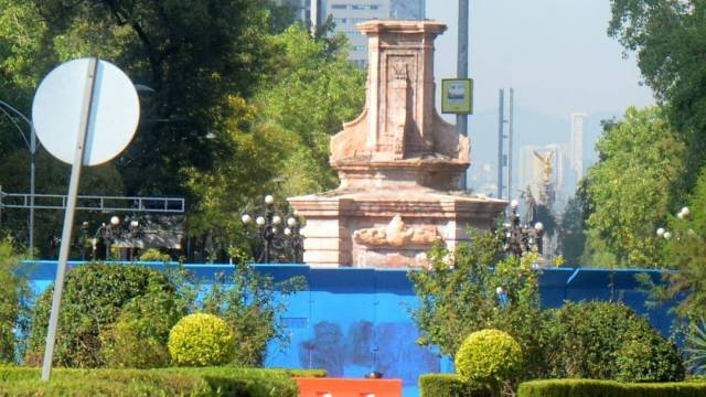 La jefa de Gobierno, Claudia Sheinbaum, no descartó que la estatua de Colón no vuelva a Reforma