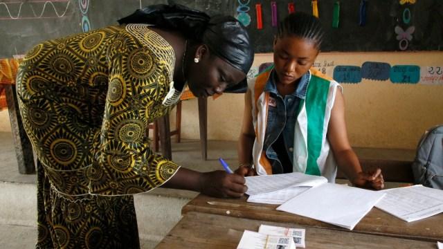 Enfrentamientos previos a elecciones en Costa de Marfil dejan 16 muertos