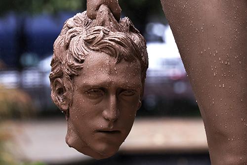 La estatua de Medusa decapitando a Perseo desata controversia ya que fue elaborada por un hombre y busca hacer homenaje al movimiento #MeToo