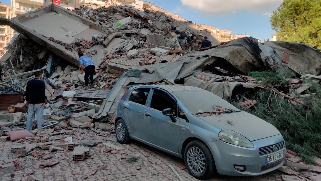 Fuerte sismo magnitud 7 sacude Turquía