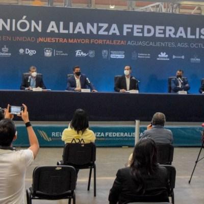 Gobernadores amagan con ruptura del Pacto Federal y morenistas refrendan apoyo a AMLO
