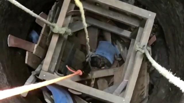 Hombre cae a un pozo en Colima y su rescate se complica