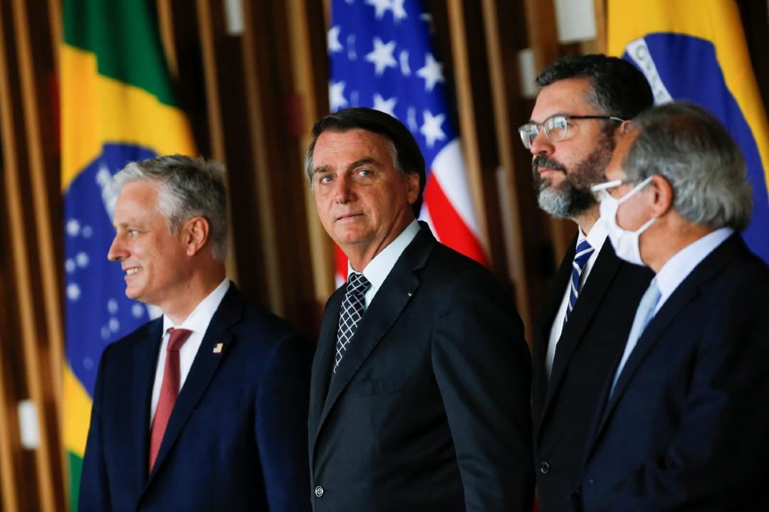 Bolsonaro descarta comprar para Brasil vacunas anticovid de empresa china Sinovac