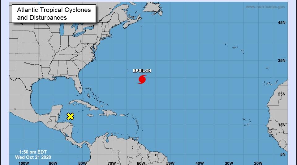 Huracán-Epsilon-podría-intensificarse-cerca -e-Bermudas