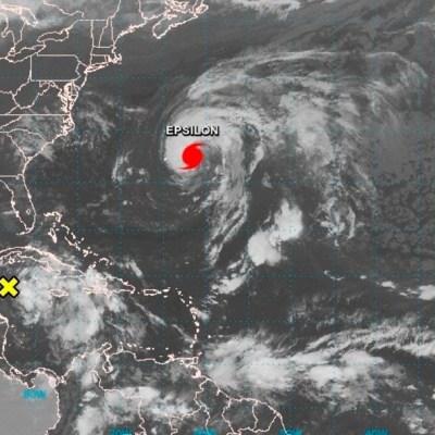 Mapa satelital del huracán Epsilon