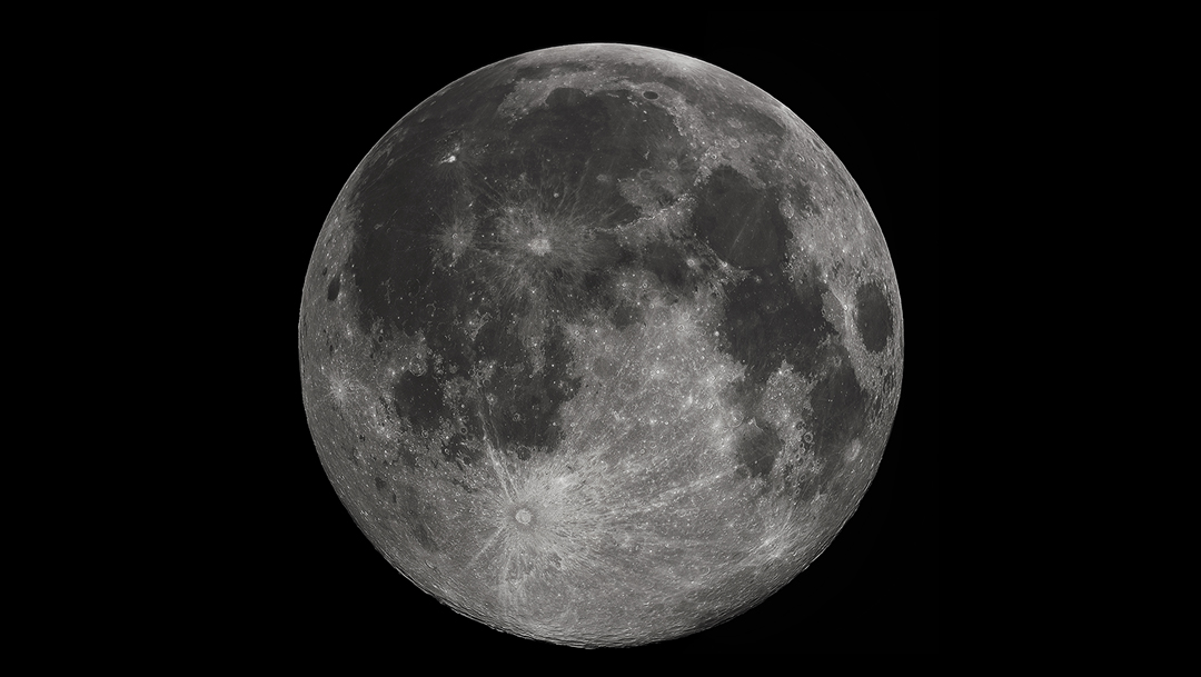 La Luna contiene agua helada, según nuevos datos inequívocos de detección de la NASA