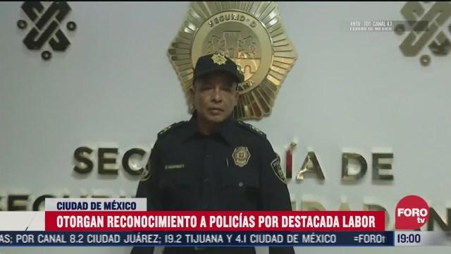 otorgan reconocimiento a policias por su labor en cdmx