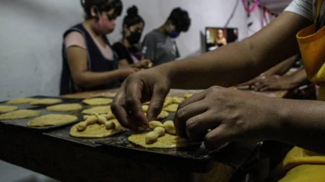Panaderías de la Ciudad de México iniciaron la venta del pan de muerto desde octubre